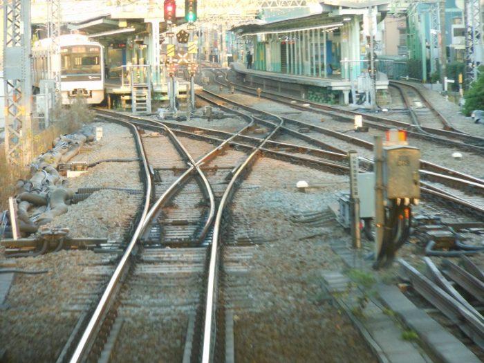 向ヶ丘遊園で線路が分かれる