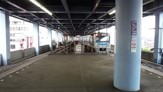 アクセス特急羽田空港行きが入線