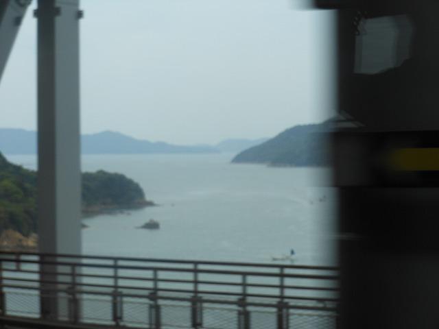 瀬戸大橋から眺める美しい瀬戸内海