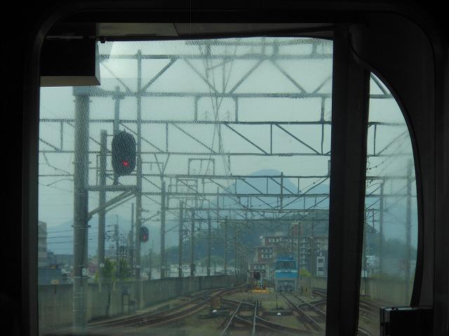 宇多津を発車して制限45km/h