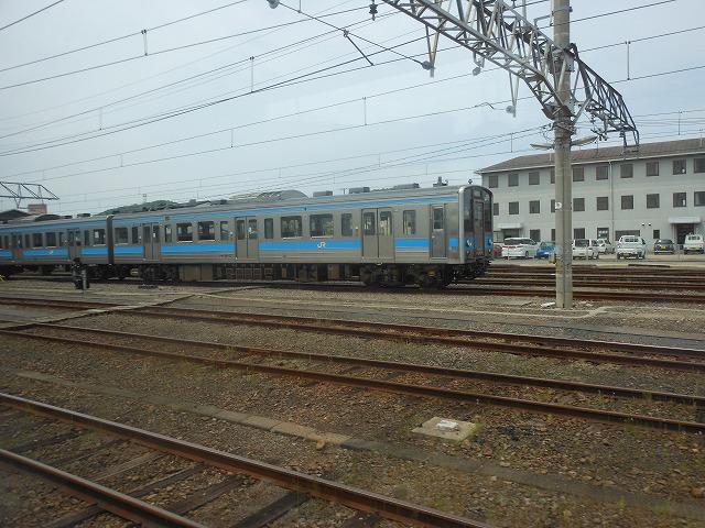 多度津で見かけた121系電車
