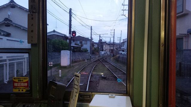 市内電車の行き違い