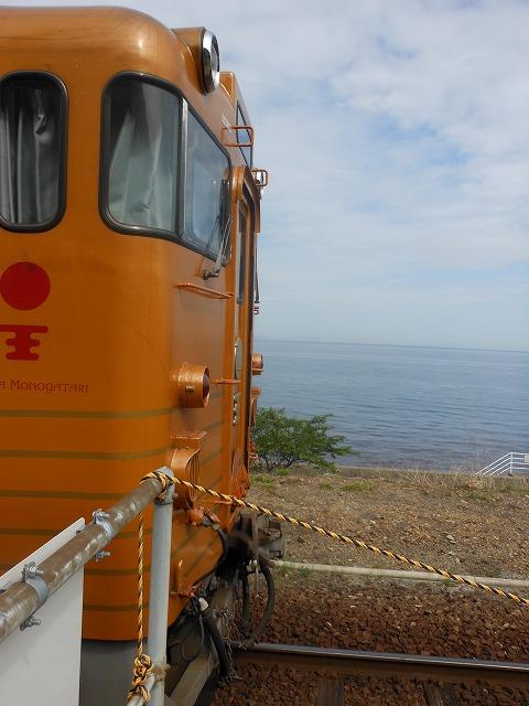 列車と海のツーショット
