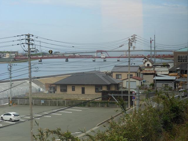伊予灘ものがたりからの車窓:美しい橋