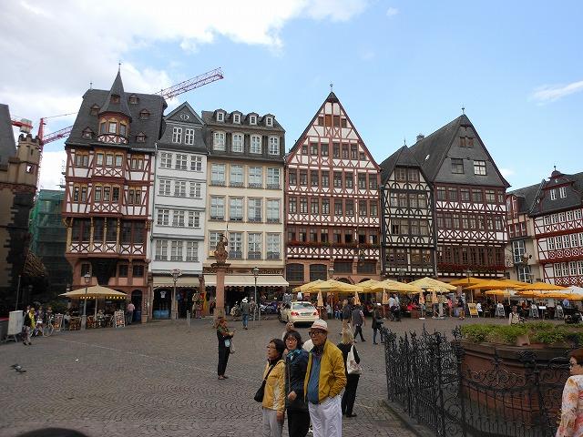 フランクフルトの観光名所、レーマー広場