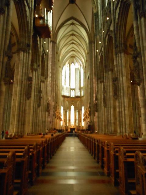 ケルン大聖堂の美しい内部