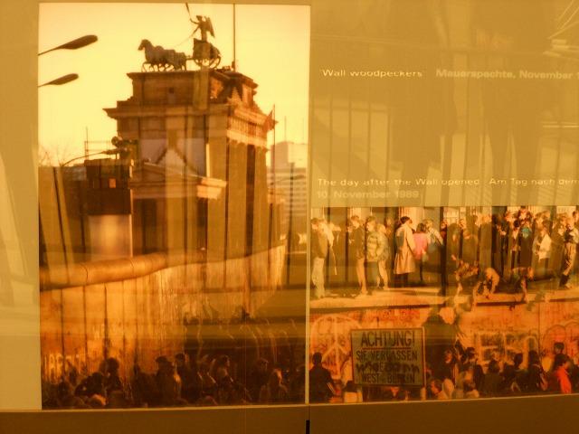 ベルリンの壁崩壊時のブランデンブルク門周辺