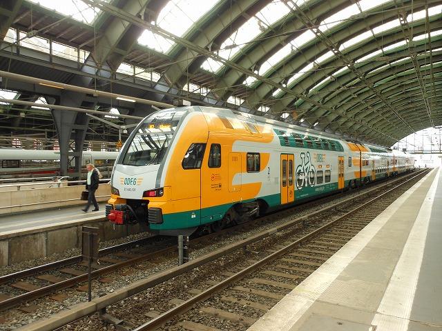 ベルリン東駅に停車中の近郊電車
