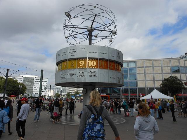 アレクサンダー広場にある世界時計