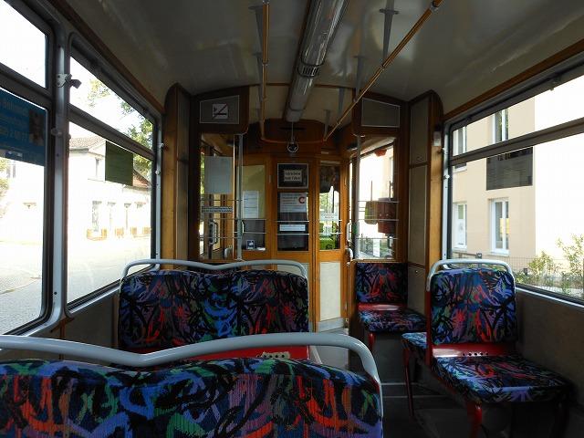 トラム87系統の車内