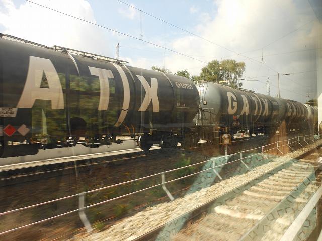 S3系統から眺める貨物列車