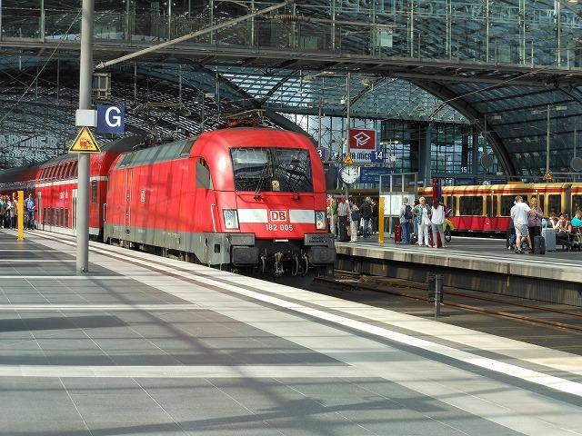 二階建て近郊列車の先頭部(ベルリン中央)