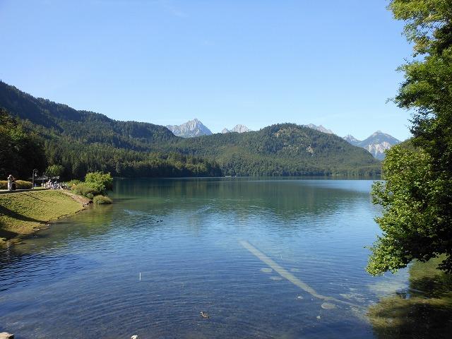 美しいアルプ湖