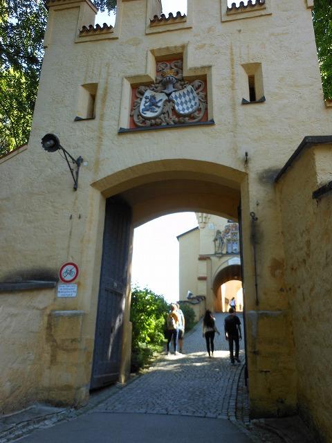 ホーエンシュバンガウ城への入口
