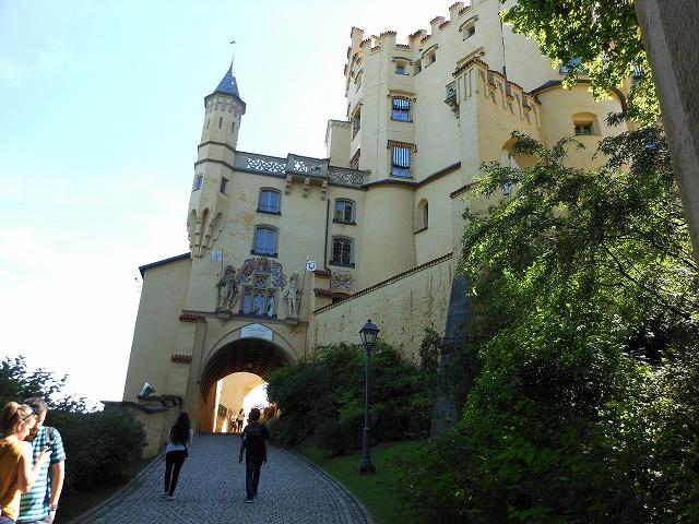 ホーエンシュバンガウ城への道