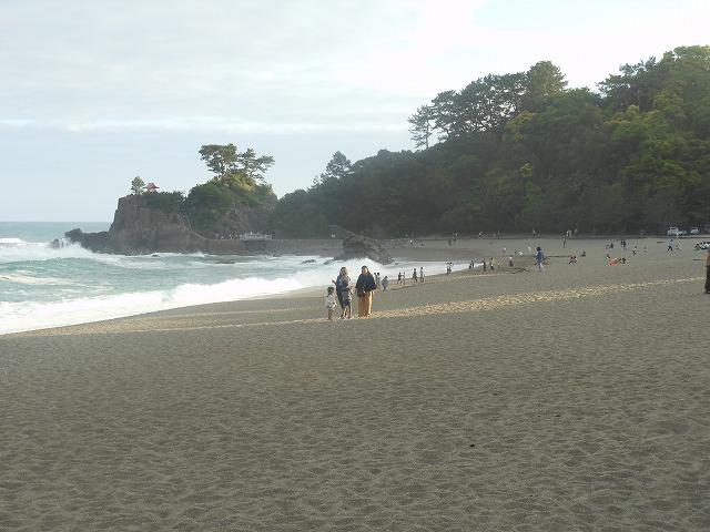 美しい砂浜が広がる桂浜