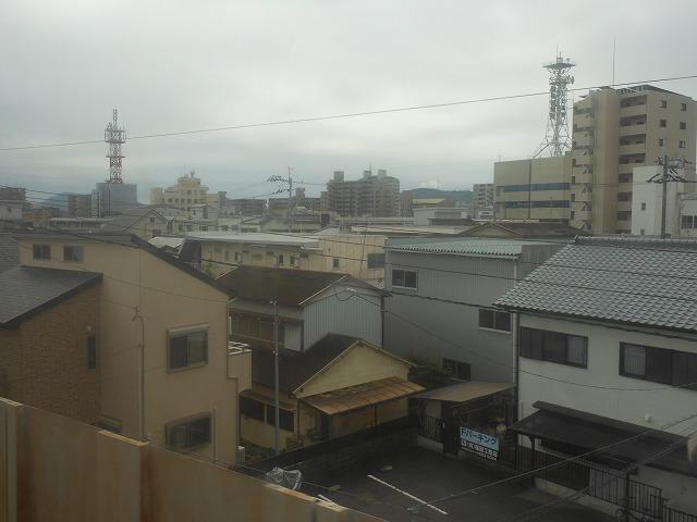 高知市内を行く