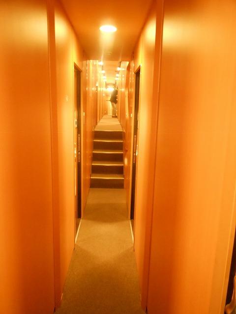 サンライズ:階段を昇る