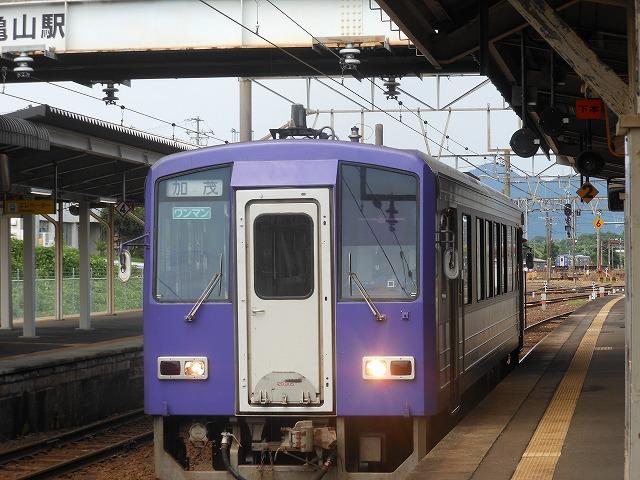 亀山で出会う120系気動車