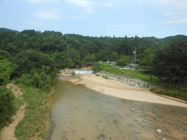 関西線:川を渡る
