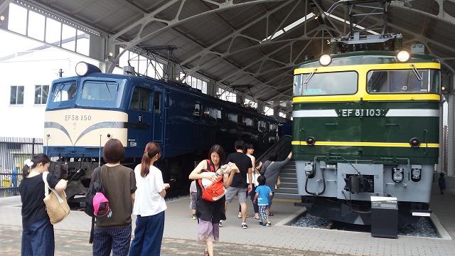 歴代機関車の並び