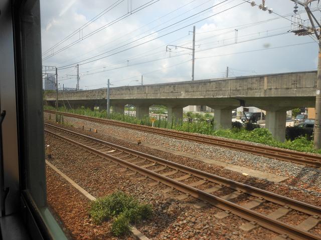 草津線車窓:東海道線と並走