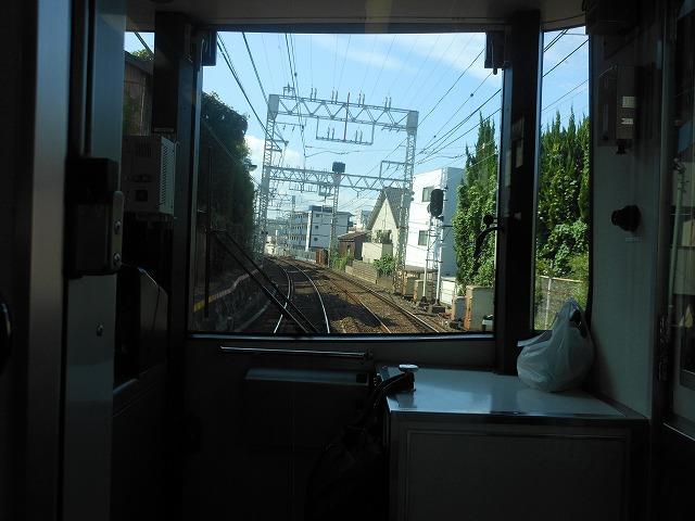 京阪前面展望:京都の下町を走る