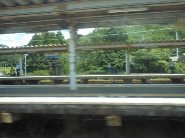 サンダーバードの車窓:近江塩津を通過