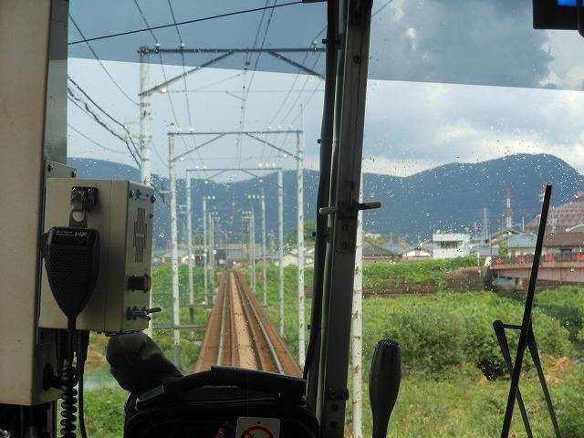 福井鉄道で川を渡る