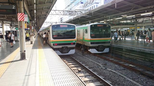 湘南新宿ライン上下並び