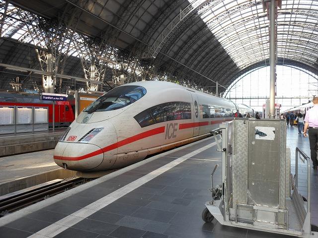 ICEとフランクフルト中央駅