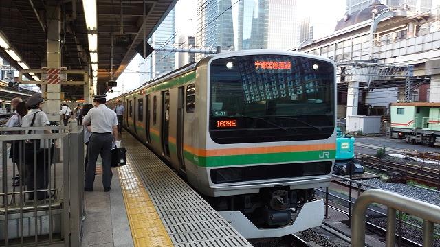 夕方の東京に停車中のE231系宇都宮線