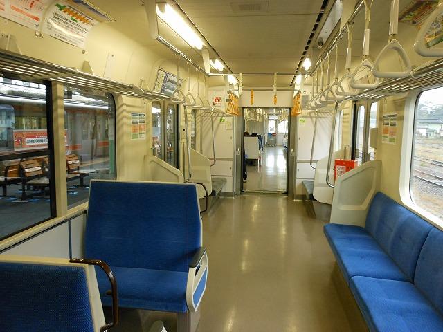 E127系の車内(中央線辰野)