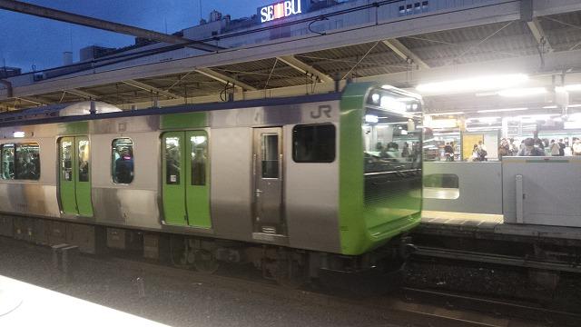 最新の通勤型E235系