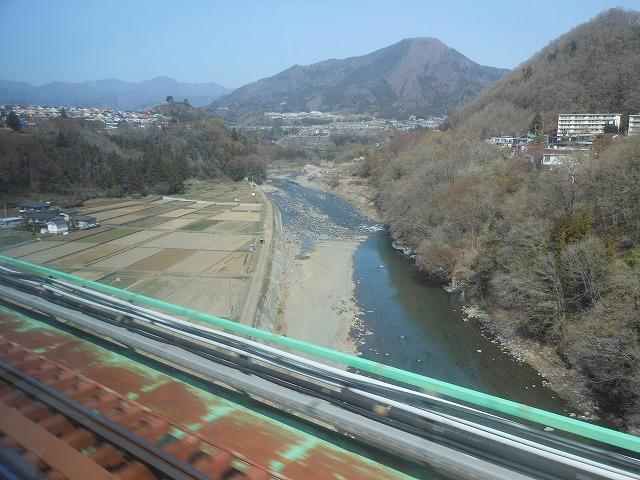 鳥沢通過後の風情ある景色