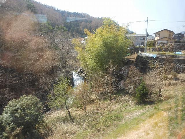 小さな川も美しい