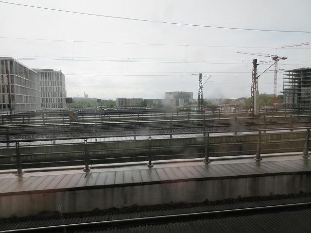 ベルリン中央→フリードリヒ通りの車窓(南側)