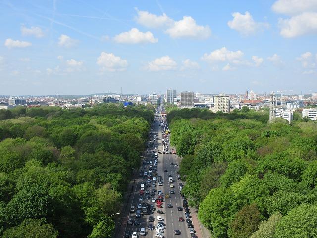 美しいティアガルテンとベルリン市街線