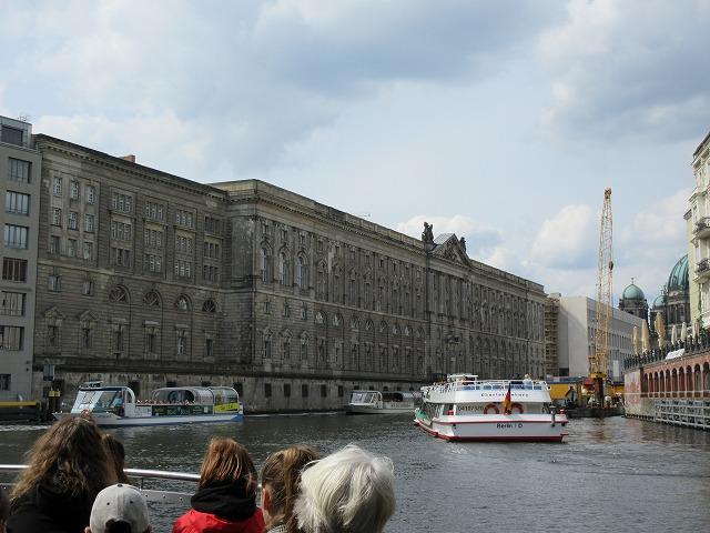 美しいベルリン市内を眺める