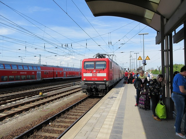アンガーミュンデ駅周辺に入線するRE3