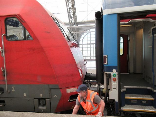 ドイツの機関車がついている