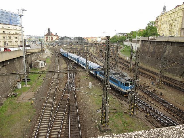プラハ本駅から発車!
