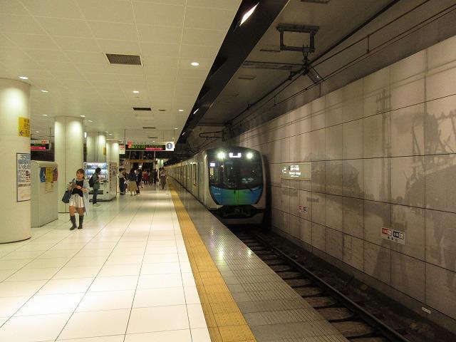 S-trainが入線