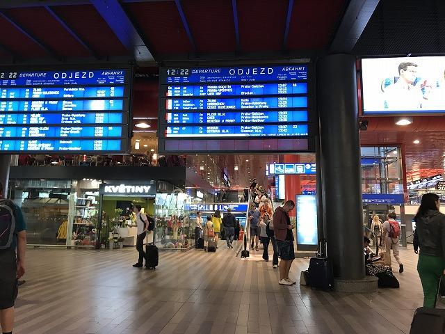プラハ駅構内