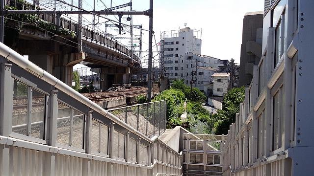 大崎短絡線:品鶴線との分岐線
