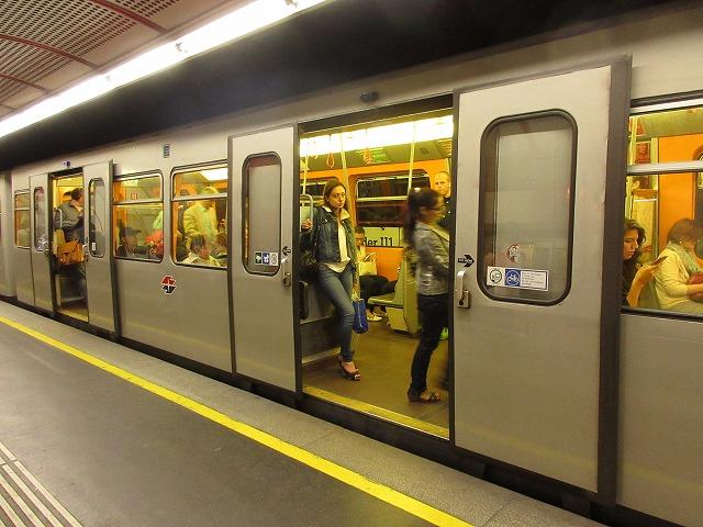 シュテファン広場駅の地下鉄