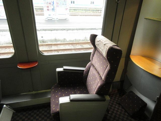 787系グリーン車の座席