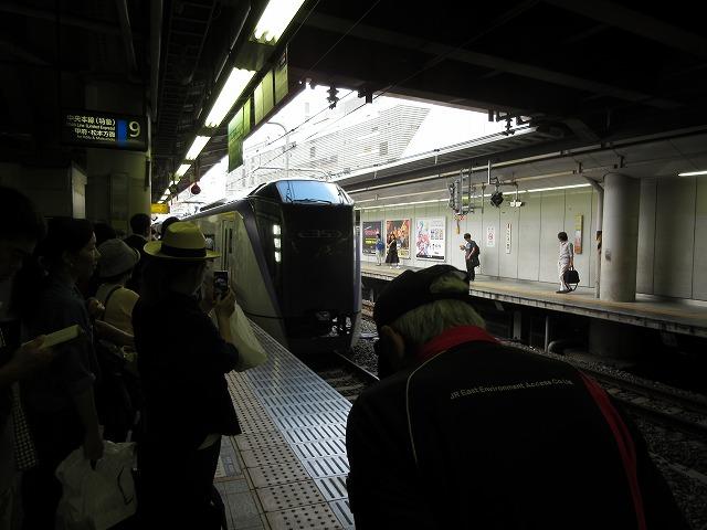 E353系スーパーあずさ号(新宿)