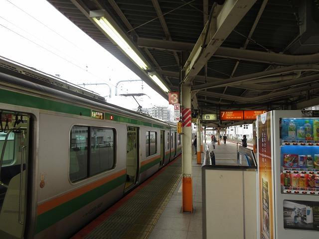 2018.11.3 横浜停車中の下り列車