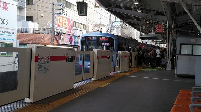 東横線中目黒に到着するY500系